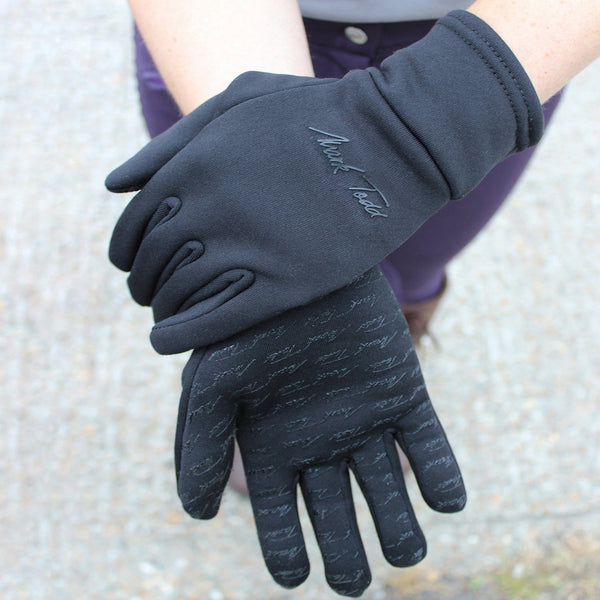 Mark Todd Winter Grip Fleece Glove Lifestyle