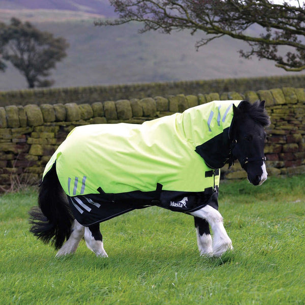 Masta Avante Hi Viz 200g Fixed Neck Turnout Rug Galloping In Field MAS4605