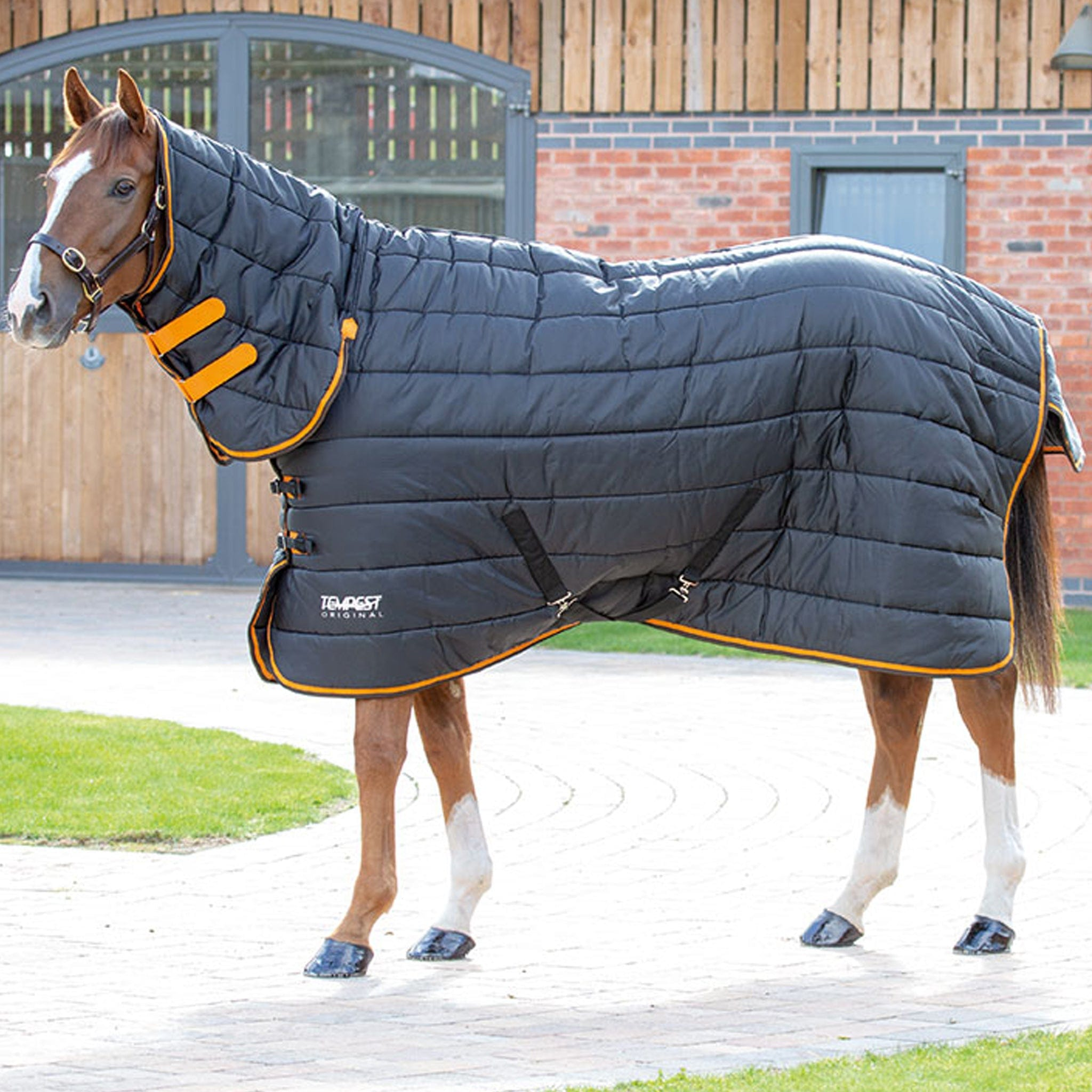 Shires Tempest Original Heavyweight 300g Combo Stable Rug Black And Orange 9341.