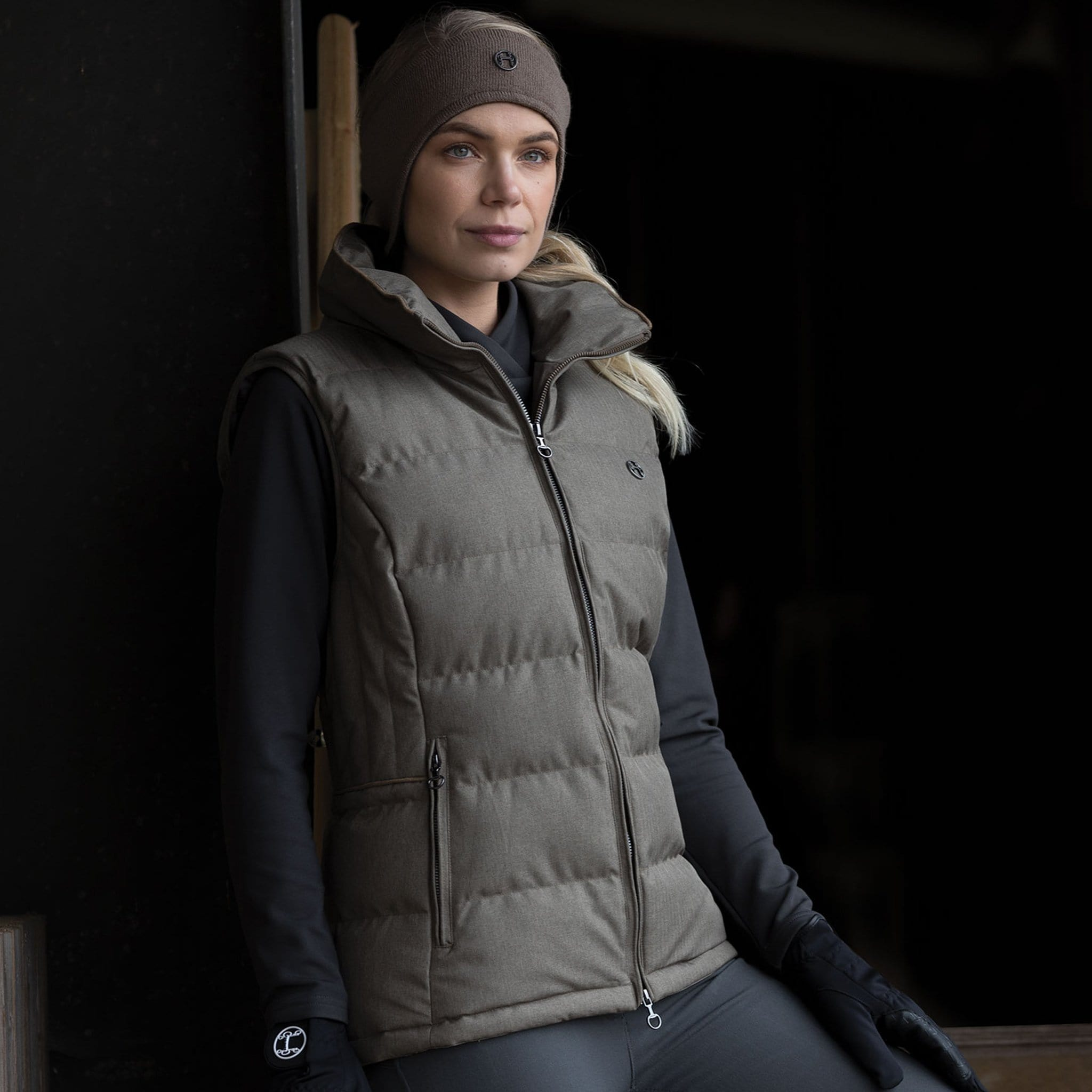 Equetech Outlander Pillow GIlet OPG On Model Front