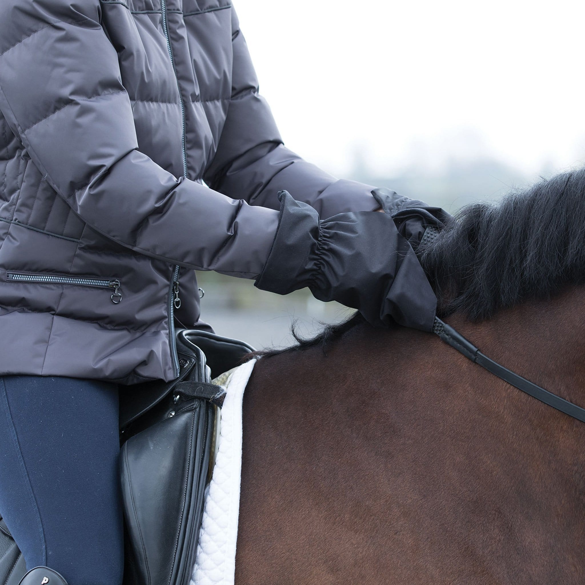 Equetech Thermal Riding Mitts RMT On Rider