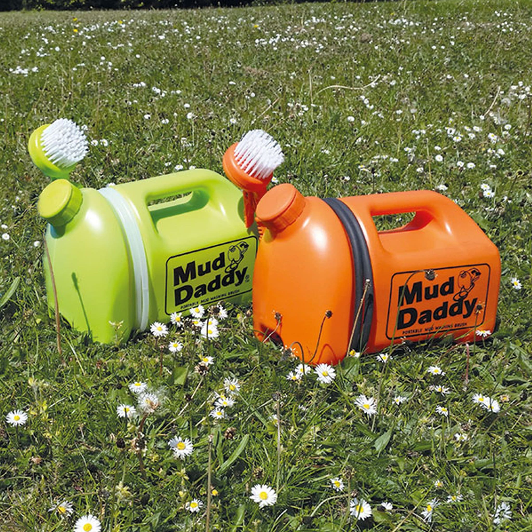 Shires Mud Daddy Portable Washing Brush Green Orange 5 Litres