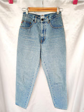 Load image into Gallery viewer, Vintage Moschino blue mom jeans (Size 8)