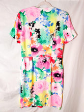 Load image into Gallery viewer, Vintage colourful floral button up midi dress