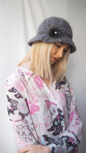 Load image into Gallery viewer, Vintage grey fluffy bucket hat Price:€17.00