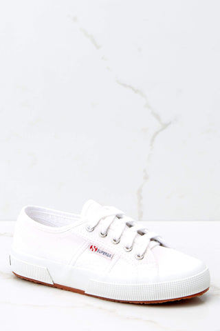 2750 Cotu White And Silver Classic Sneakers
