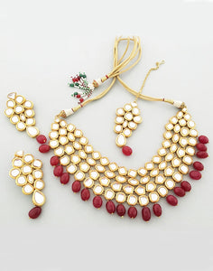 Karatcart 22K GoldPlated Antique origins Kundan Red  Tumble Choker Necklace For Women