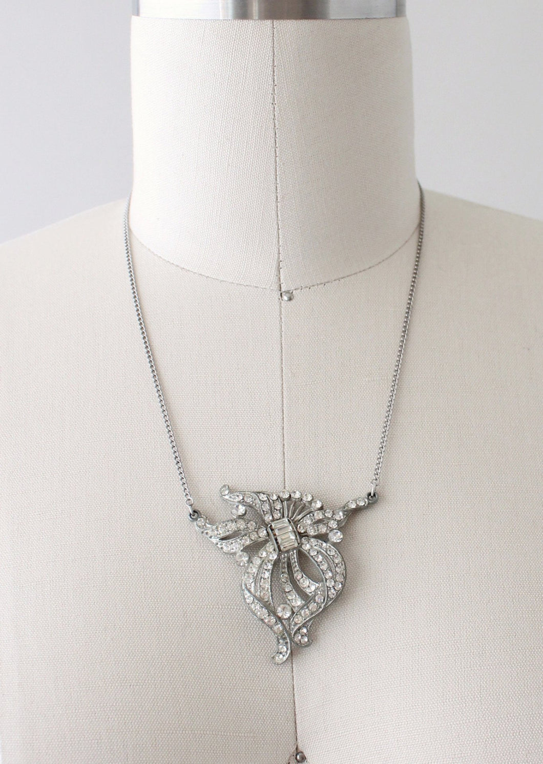 Vintage 1930s Dramatic Rhinestone and Pot Metal Necklace