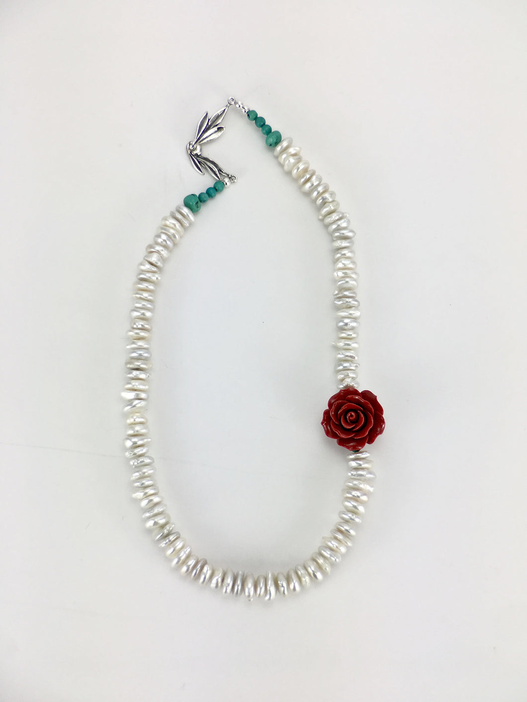 Red rose pearl chocker necklace