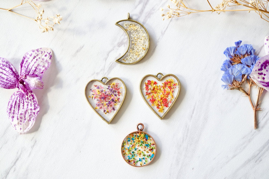 Real Dried Flowers in Resin Heart Necklace in Mint Pink White