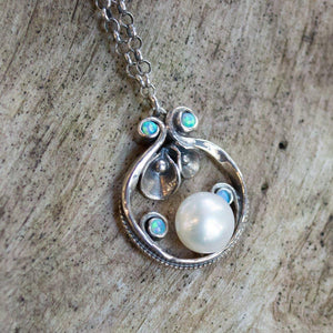 Opal pearl Botanical necklace - Suddenly N4637