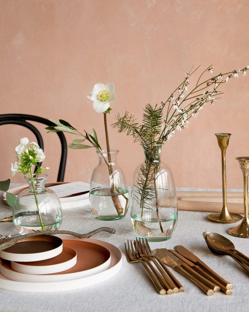 _image_tablesetting_white-flowers1