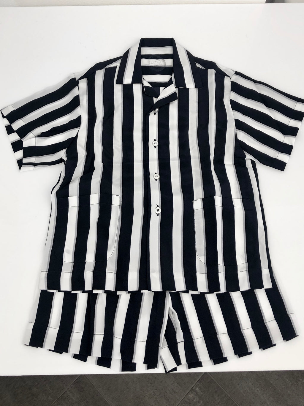 Silk. Childs man shape stripped Pijamas . Pijama in Seta Comasca a Righe per bambino