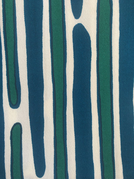 MORRIS BLUE/GREEN on outdoor SWATCH