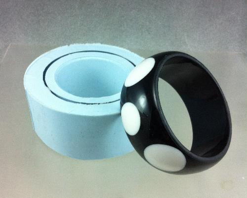 Rounded edge silicone bangle bracelet mold