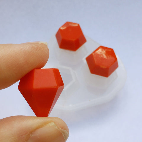 Clear silicone faceted gemstone jewelry mold