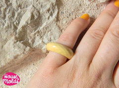 Clear silicone multifaceted band ring mold