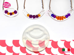 Clear silicone collar pendant mold