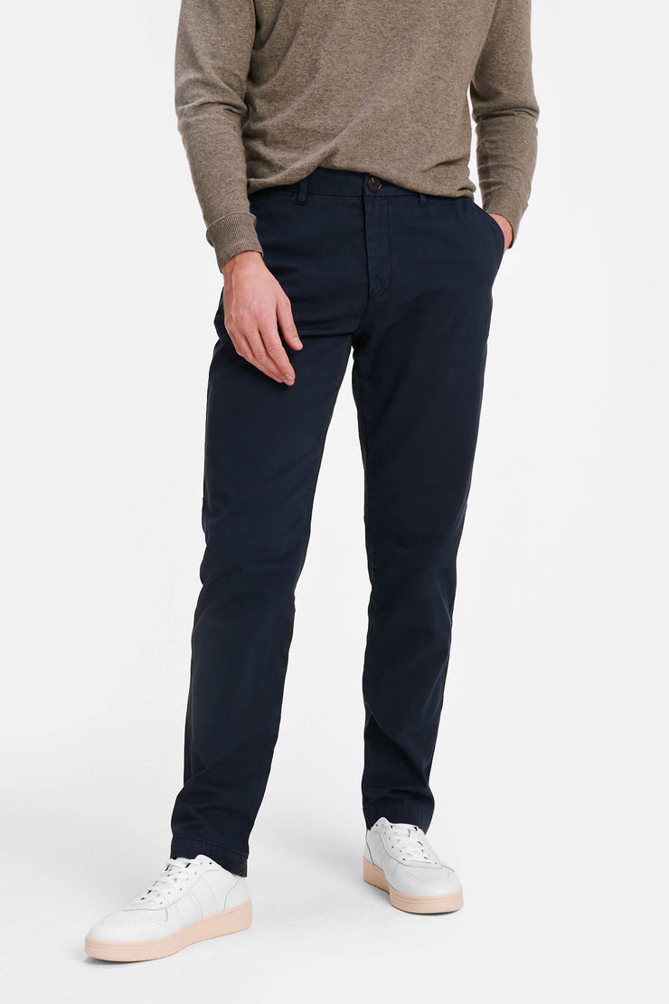Garment dyed regular fit chino
