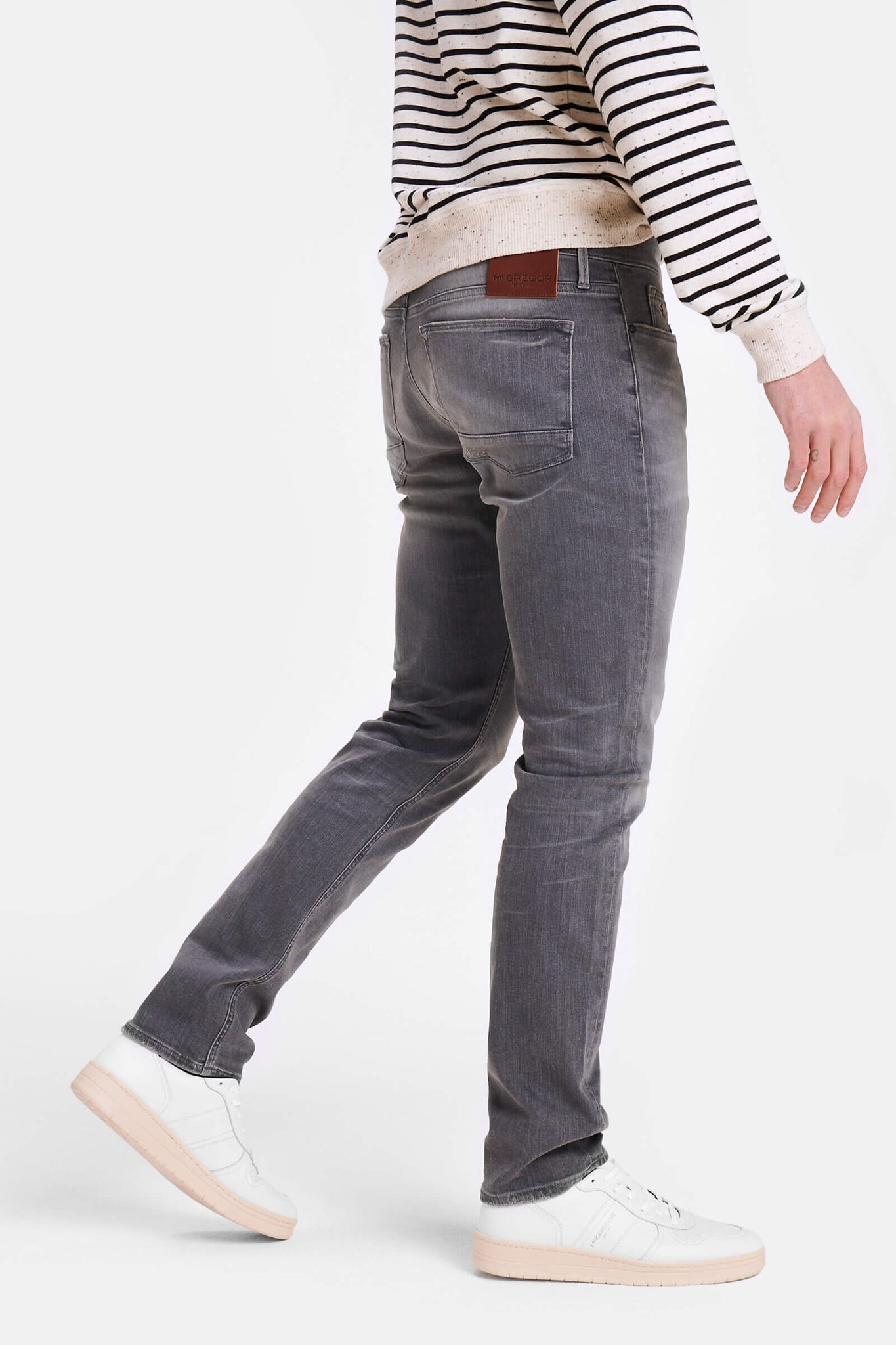 Slim fit jeans in medium grey wash