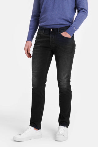 Slim fit jeans in dark blue wash