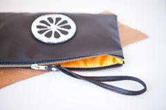 PULPY BLACK CITRON POUCH + hand mirror