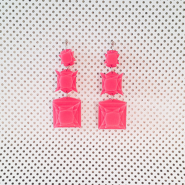 VECTORY PRINCESS STRAWBERRY EARRINGS