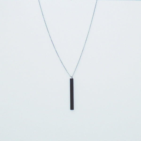 BLACK RECTANGLE NECKLACE