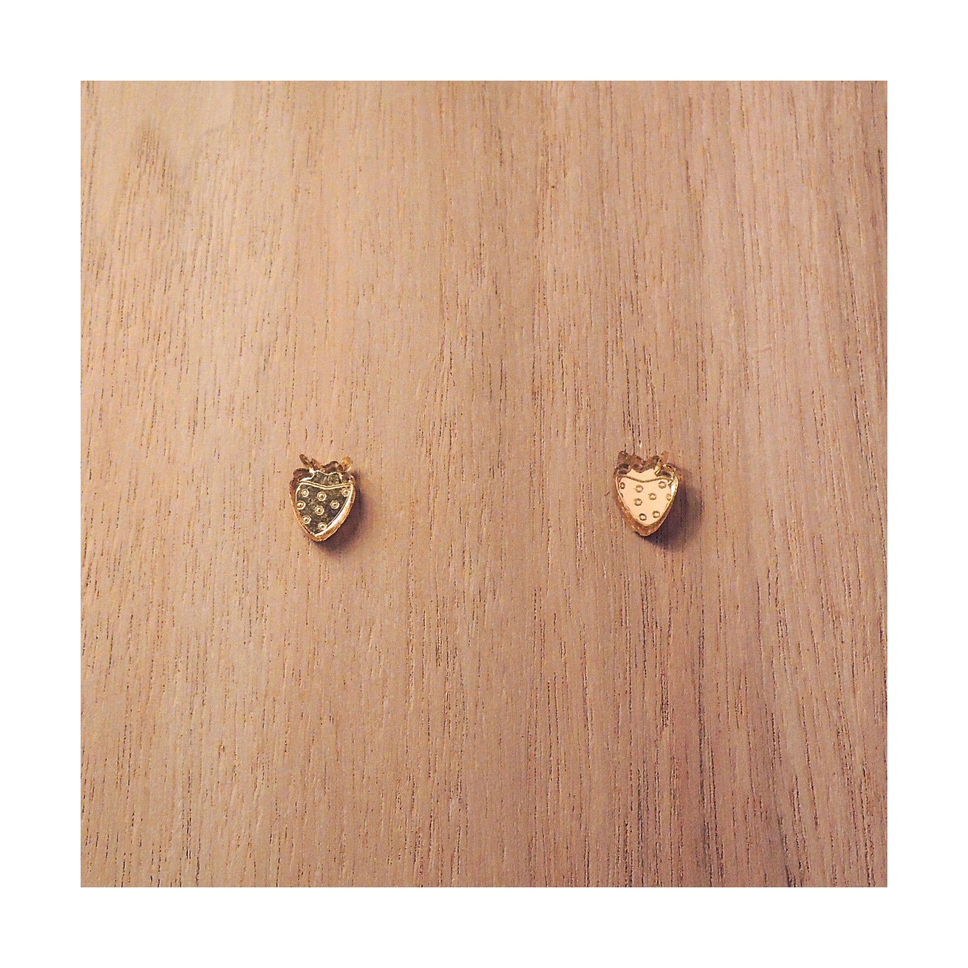 PULPY GOLD STRAWBERRY EARRINGS