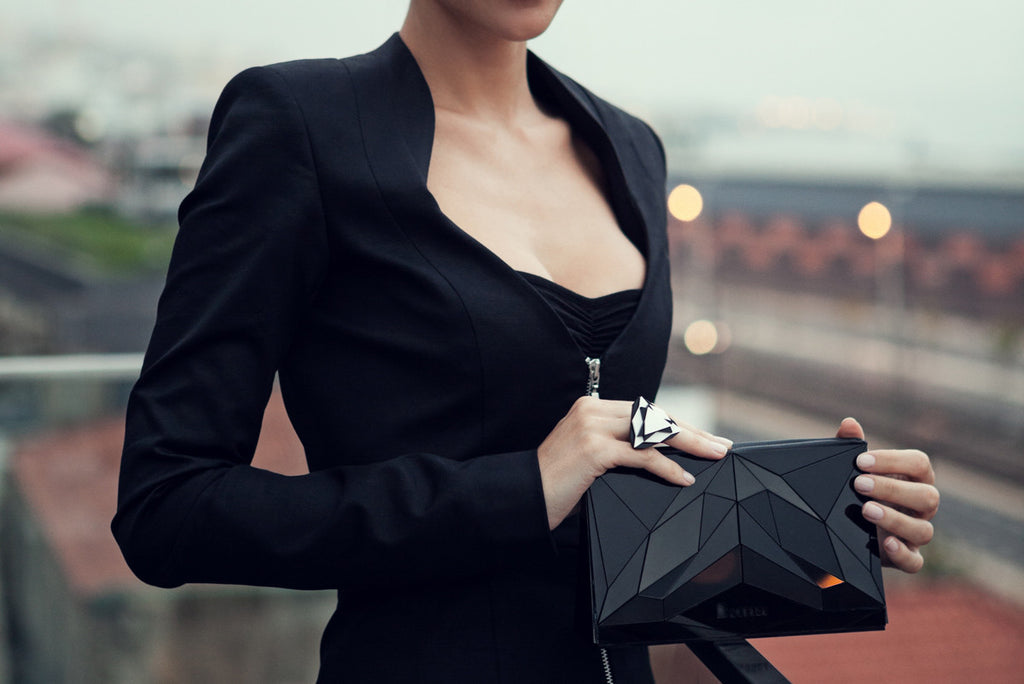 VECTORY BLACK CLUTCH