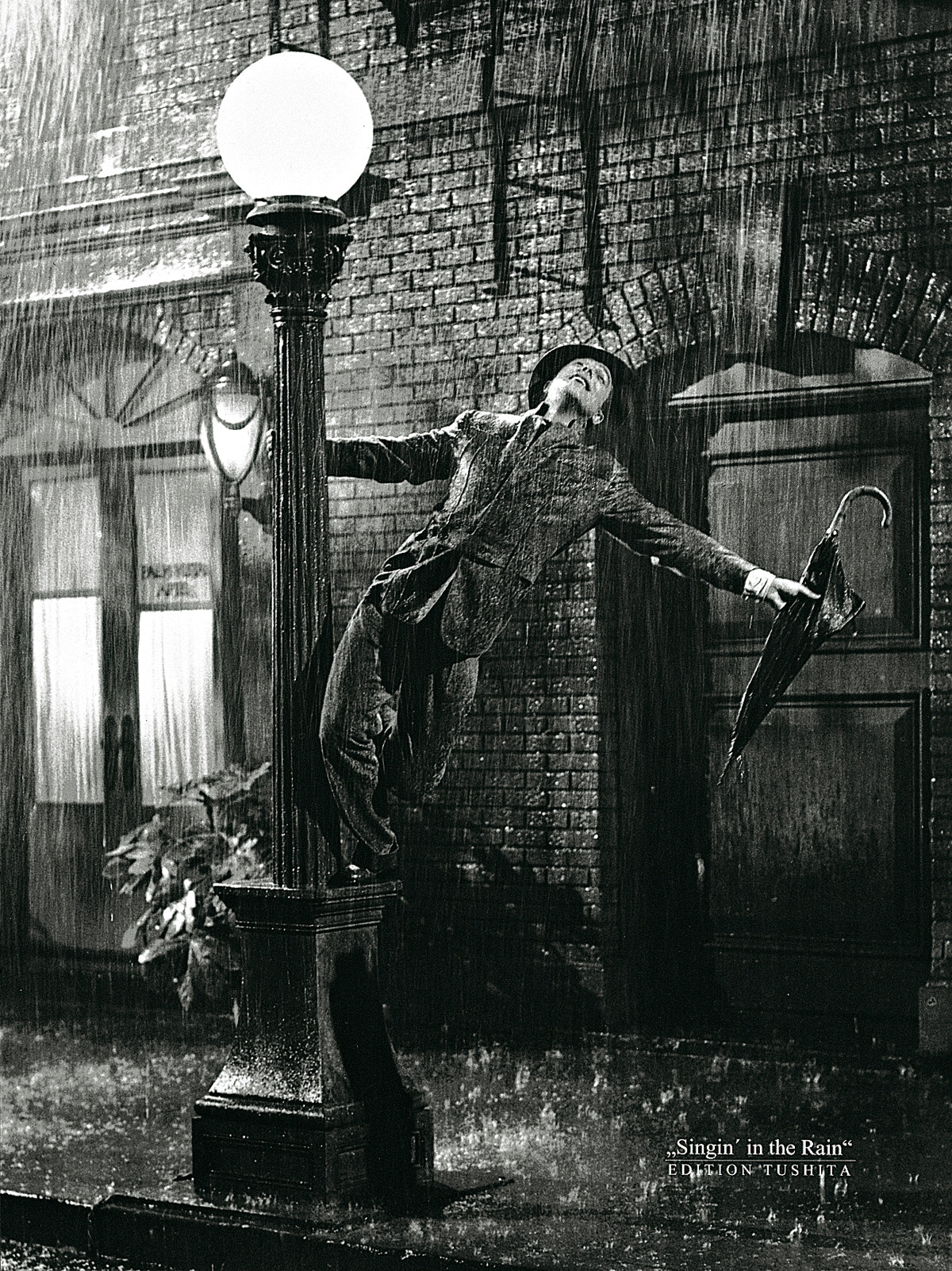 Liby - Gene Kelly singing in the Rain