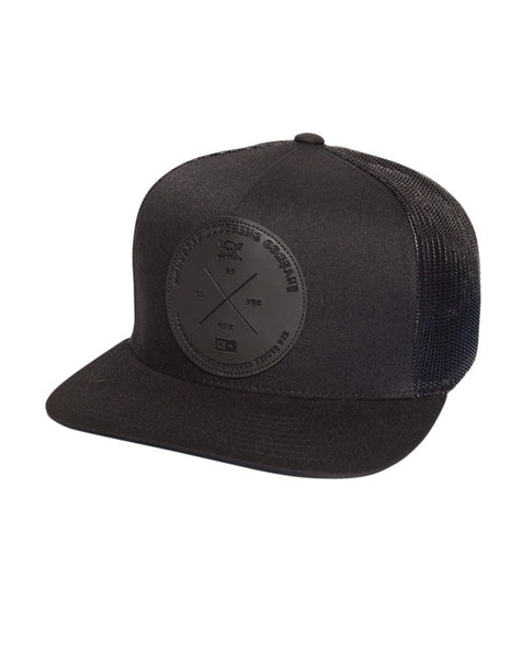 Circle Label Trucker :: Black