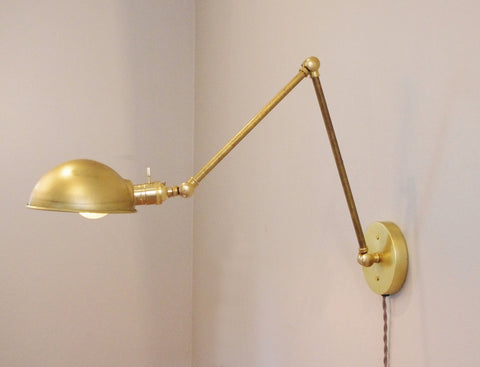 Sabine Articulating Lamp - Brass