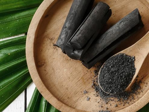 Activated Charcoal: Why you should be detoxing with this natural supplement