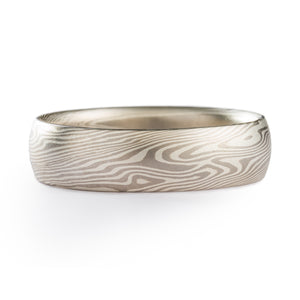 Twist Pattern Mokume Gane Ring made by Arn Krebs, silver color palette, the ring is made of alternating layers of palladium and sterling silver, ring is fairly wide