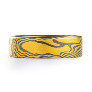 mokume gane patterned ring, twist pattern made of yellow gold and oxidized silver, flat profile, 5.5mm width