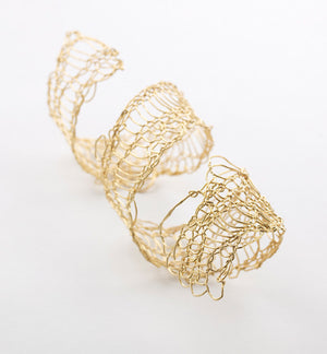 sculptural bracelet, twist, knitted wire,