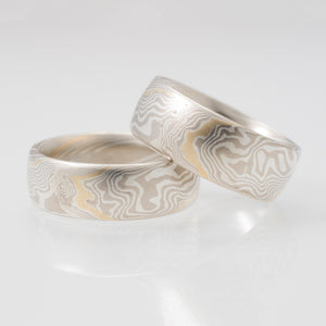 Mokume Twist Matched Wedding Set in Ash with Yellow Gold Stratum
