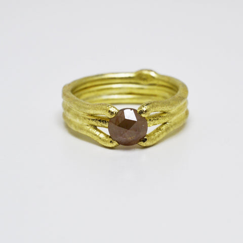 Archaic Red Rose Cut Diamond Ring in 18kt Yellow Gold