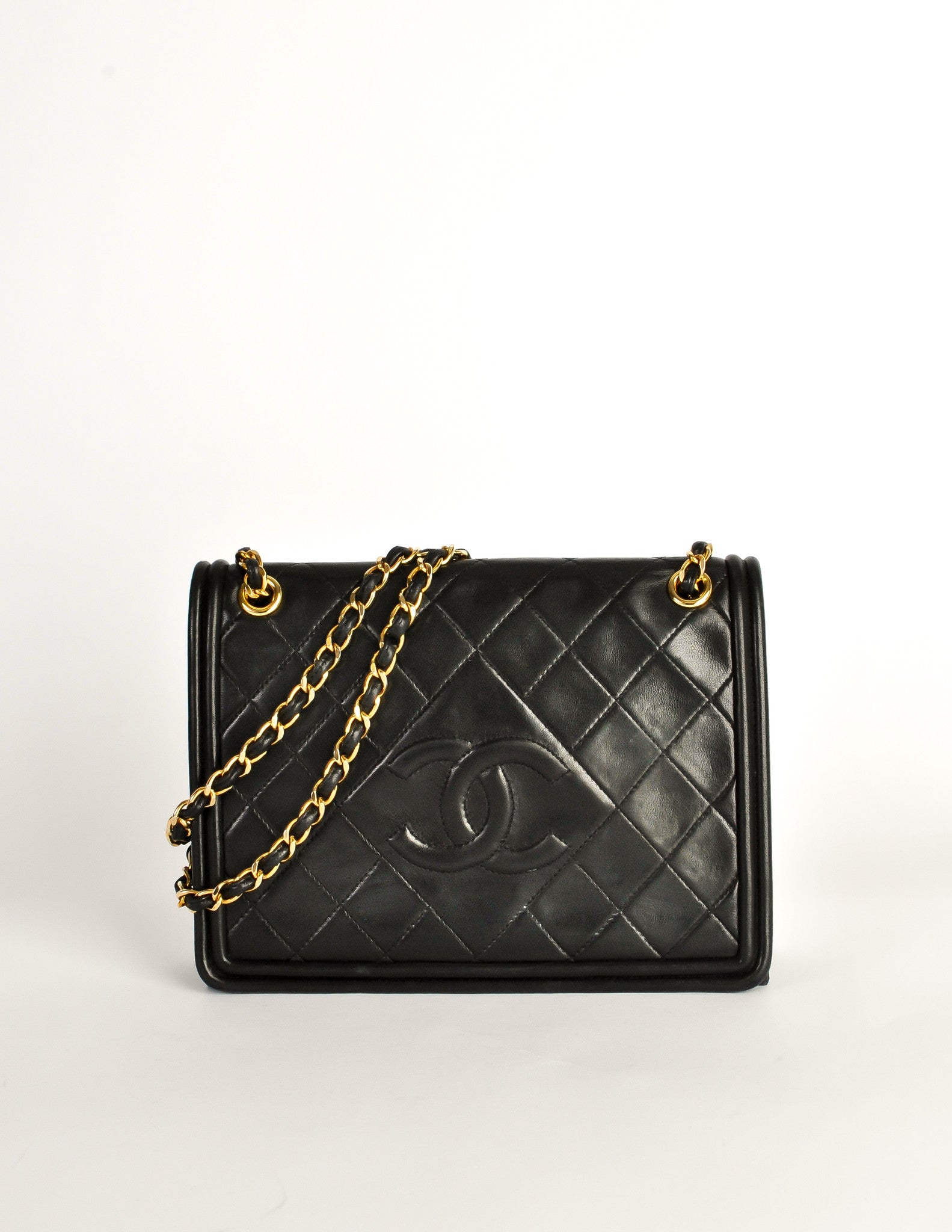 2626288281e206 Chanel Vintage Black Lambskin Leather Quilted CC Logo Bag - Amarcord Vintage  Fashion - 2