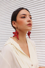 Load image into Gallery viewer, Red Orchids earrings