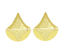 Load image into Gallery viewer, Tomaep Gold earrings