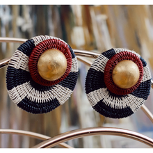 Load image into Gallery viewer, Capella earrings