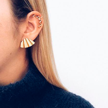Load image into Gallery viewer, Alondra Mini Earcuff
