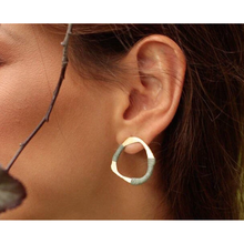 Load image into Gallery viewer, Ofiura earrings
