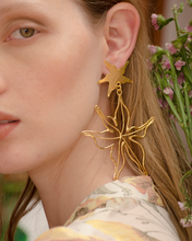 Load image into Gallery viewer, Starfish Gold earrings