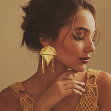 Load image into Gallery viewer, Nabox Gold Earrings