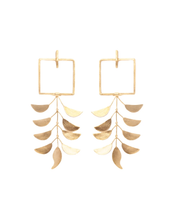 Load image into Gallery viewer, Trinity earrings