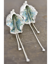 Load image into Gallery viewer, Turbinaria earrings