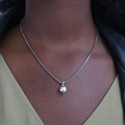 Eartha Pearl Necklace – Silver